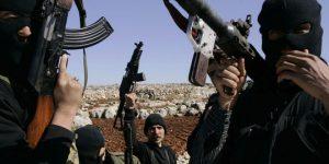 1672138_3_07ae_des-rebelles-syriens-armes-au-nord-du-pays-dans_49a07b1b6832e3b4ab0ad301a117faa8