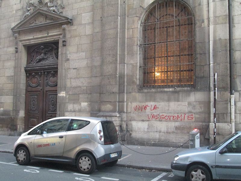 http://medias-presse.info/wp-content/uploads/2014/10/st-nic-graffiti-1.jpg