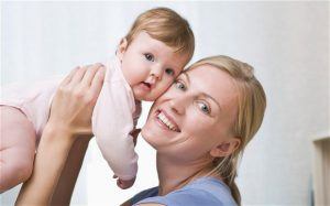 A mother with her daughter Photo: Alamy