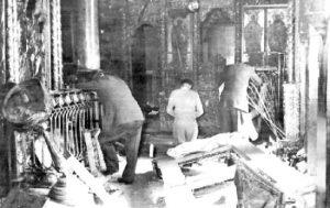 ISTANBUL_POGROM_church1955