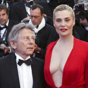 Et ici avec la comédienne Emmanuelle Seignier, son actuelle épouse, de 33 ans sa cadette.