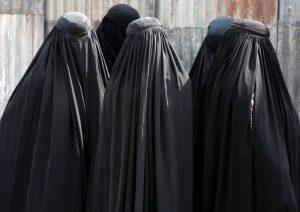 Le Cameroun interdit le  port de la burqa et du niqab dans l'extrême nord du pays