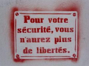 lois liberticides