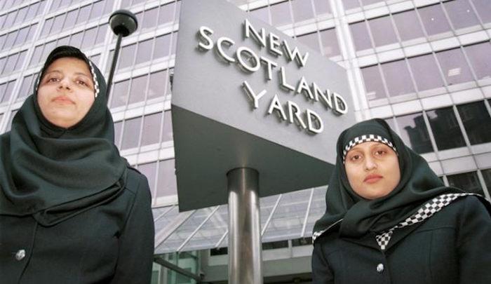 police-en-hijab