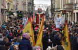 1.200.000 Polonais célèbrent publiquement les Rois Mages avec pour devise « Dieu est venu pour tous ! »
