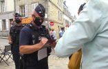 Coronacircus – Les policiers verbalisent les Français qui ne portent pas de masque mais boivent à la même bouteille