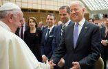 Le pape François, avec les médias du système, congratule Biden pour son élection non encore validée
