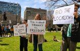 Manifestation contre la dictature sanitaire à Toronto, Canada
